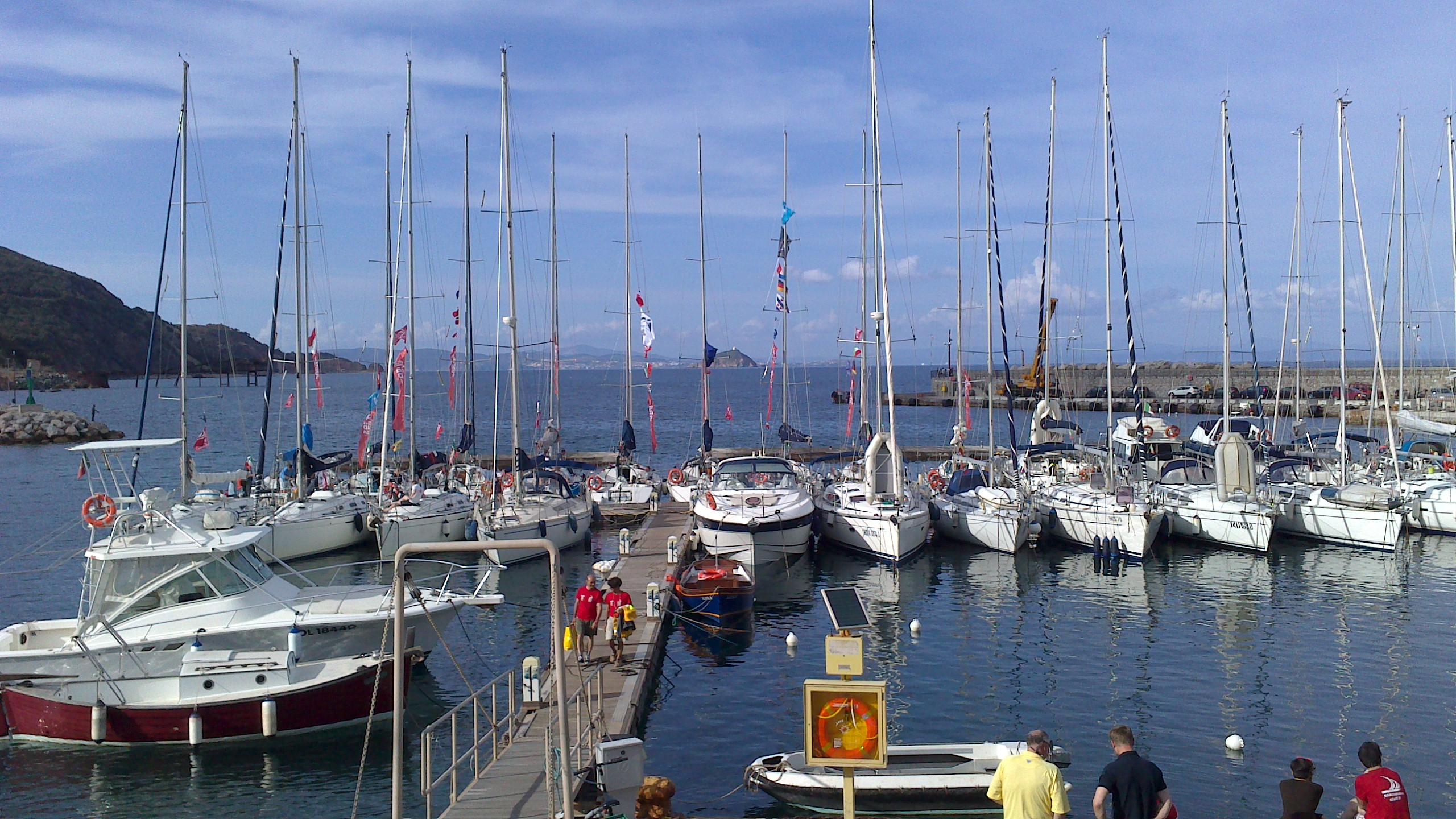 Ormeggi porto Rio Marina